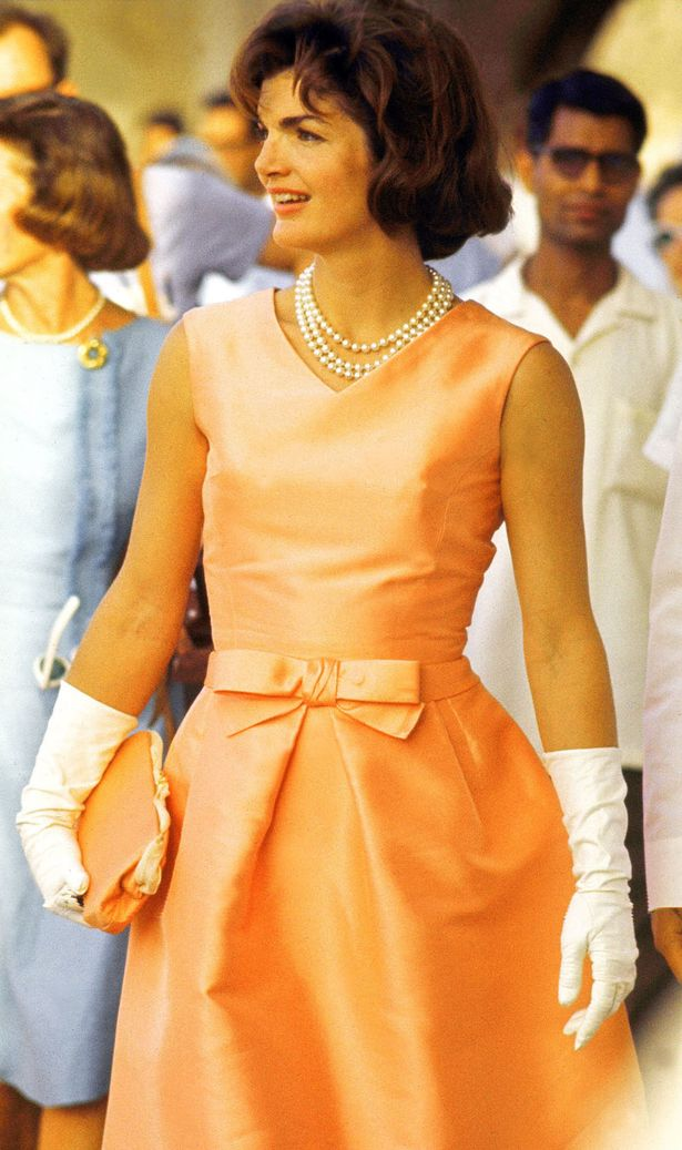 first-lady-jackie-kennedy-wearing-oscar-de-la-renta